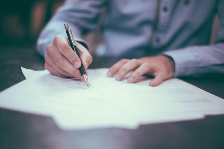 Проекты законов о трудовых электронных книжках одобрены Госдумой